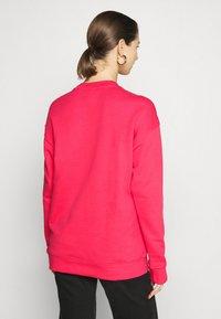adidas Originals - CREW - Sweatshirt - power pink/white - 2