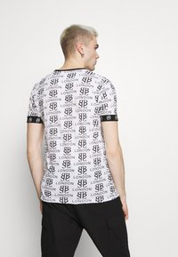 Brave Soul - Print T-shirt - optic white/black/red - 2