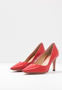 PERLATO - Classic heels - jamaica kiss - 4