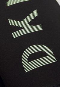 DKNY - STRIPED LOGO HIGH WAIST BIKE SHORT - Leggings - black/pistachio - 5