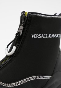 Versace Jeans Couture - Vysoké tenisky - black - 3