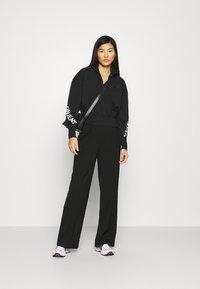 Calvin Klein Jeans - Sweatshirt - black - 1