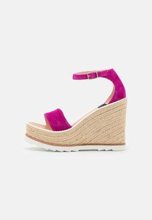 BEA - Platform sandals - pesca/fucsia