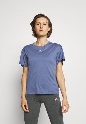 3 STRIPES DESIGNED4TRAINING AEROREADY - Camiseta estampada - orbit violet