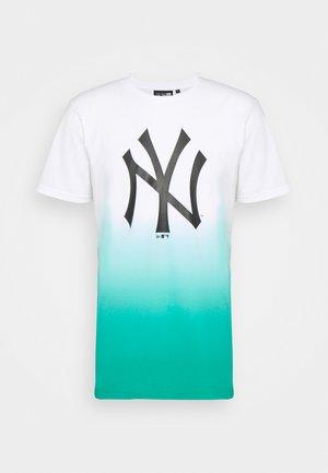 NEW YORK YANKEES MLB DIP DYE TEE - Club wear - white/turquoise