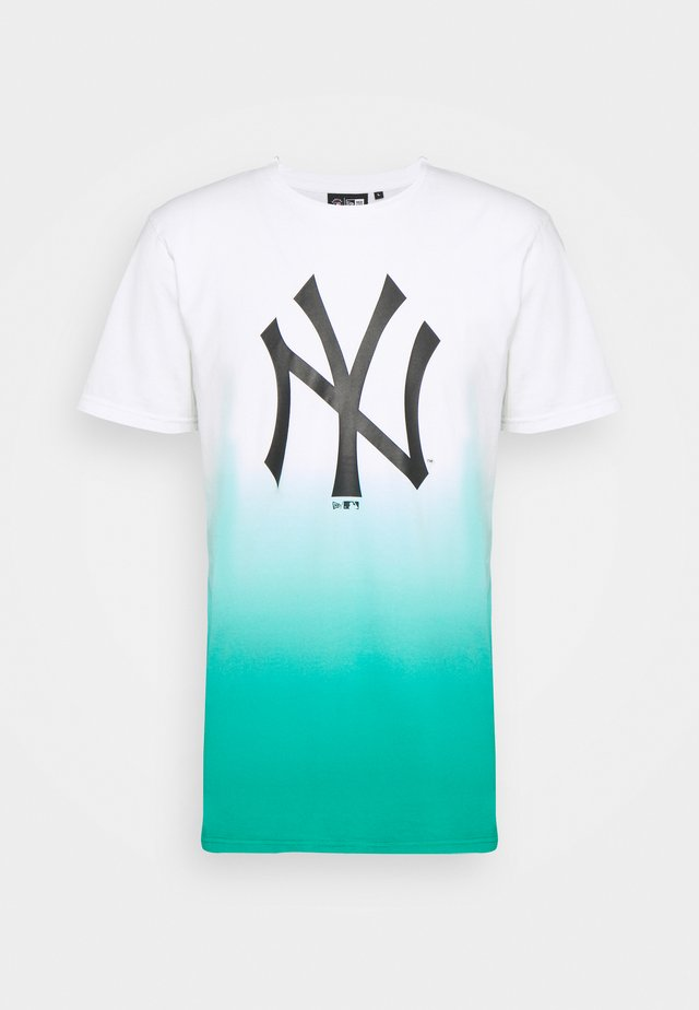 NEW YORK YANKEES MLB DIP DYE TEE - Klubové oblečení - white/turquoise