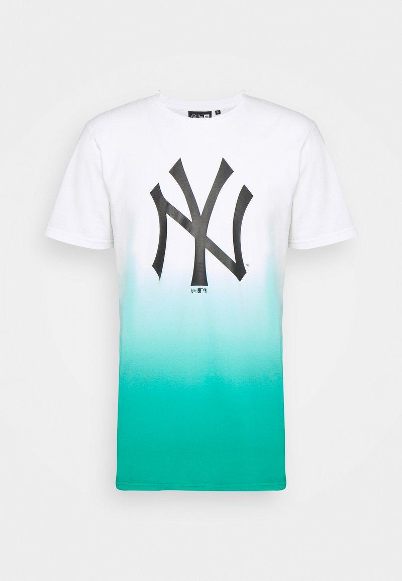 New Era - NEW YORK YANKEES MLB DIP DYE TEE - Klubové oblečení - white/turquoise