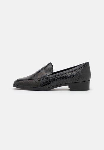 GWIRANI - Slippers - black
