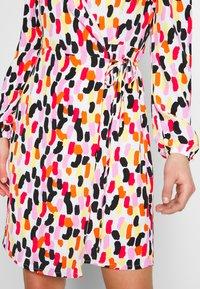 Glamorous - OFF SHOULDER WRAP DRESS - Kjole - brush - 4