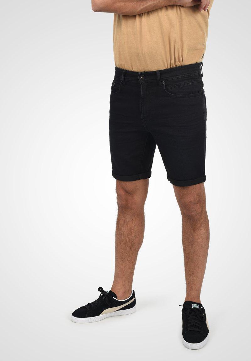 Solid - Denim shorts - black dnm
