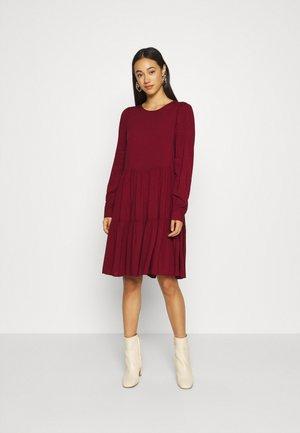 Day dress - cabernet