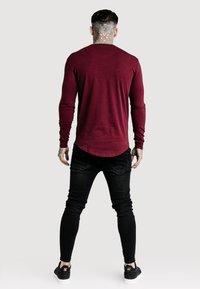 SIKSILK - GYM TEE - Long sleeved top - burgundy - 2