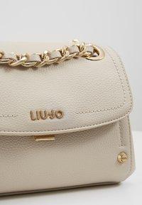 LIU JO - CROSSBODY  - Handbag - true champagne - 2