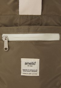 anello - BOSTON BAG UNISEX - Sports bag - grey/beige - 4