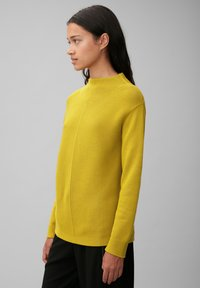 Marc O'Polo - STRUCTURE MIX TURTLENECK - Jumper - fresh pea - 3