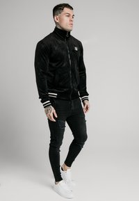 SIKSILK - DEBOSSED JACKET - Giubbotto Bomber - jet black - 1