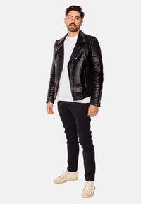 LEATHER HYPE - JORDAN PERFECTO - Leather jacket - black - 7