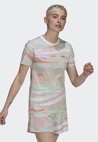adidas Originals - TEE - T-shirts print - multicolor - 2