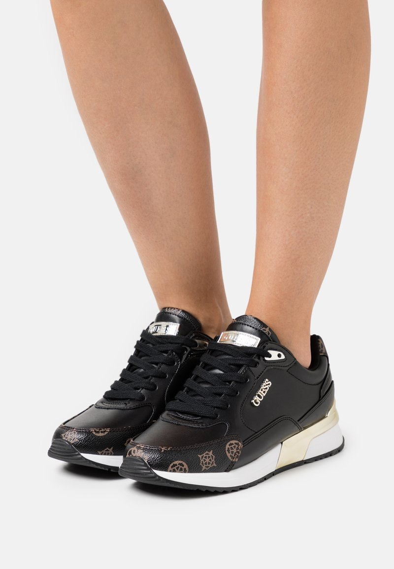 Guess - MOXEA - Sneakers laag - black/brown