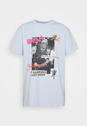 FIORUCCI DREAM - T-shirt con stampa - light blue