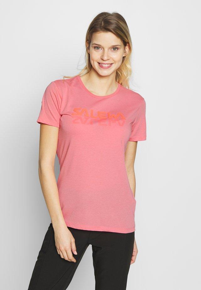 GRAPHIC TEE - Camiseta estampada - shell pink melange