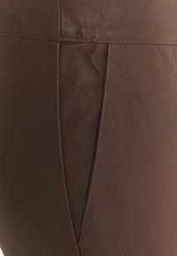 2nd Day - LEYA - Kožené kalhoty - chocolate plum - 5
