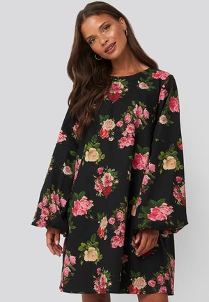 VOLUME LS - Day dress - black
