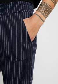 CLOSURE London - PIN STRIPE - Träningsbyxor - navy - 3