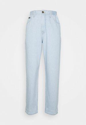 ELASTICATED MOM - Straight leg jeans - bleached denim