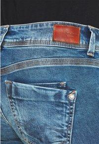Pepe Jeans - SATURN CROP - Džínové kraťasy - denim - 3