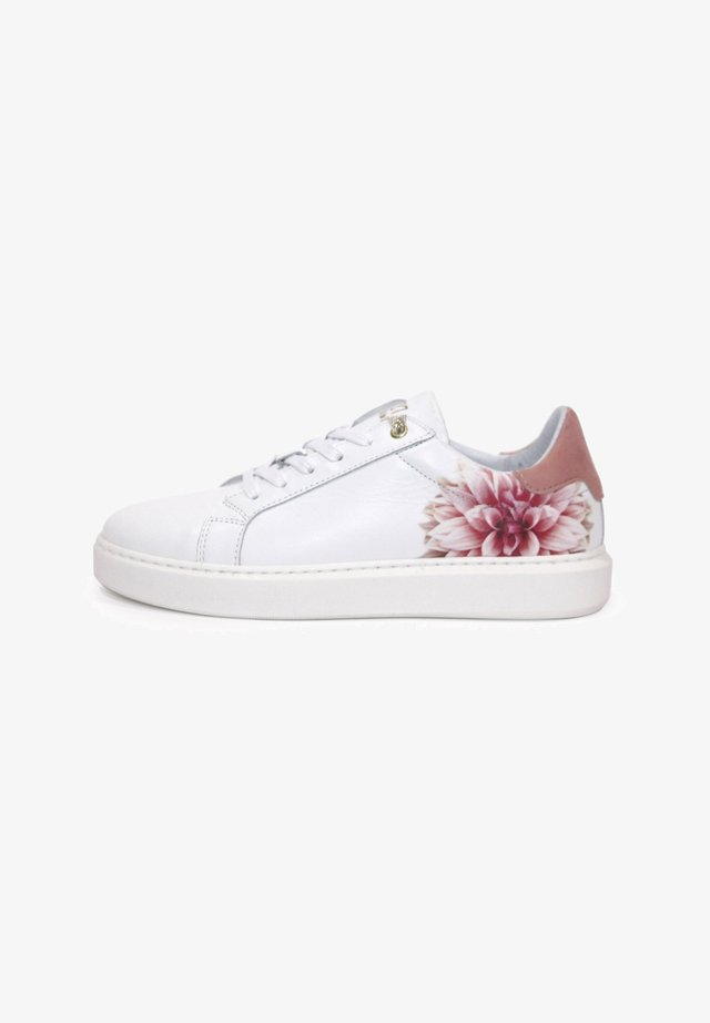 FOX-POPPY - Trainers - white/coral