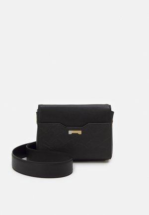 POUCH - Across body bag - black