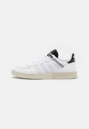 SUPER COURT UNISEX - Sneakers laag - footwear white/core black