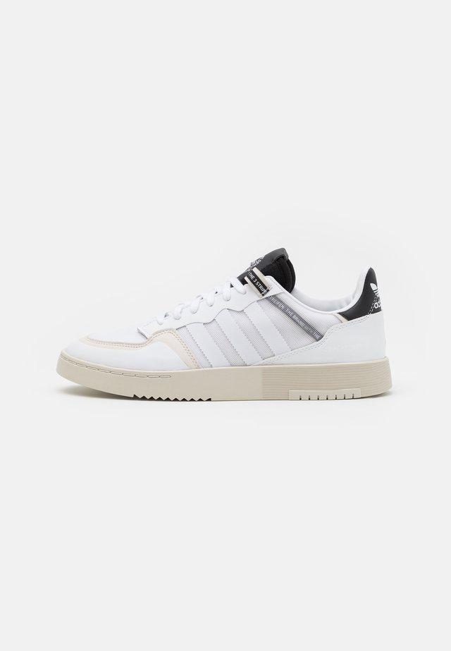 SUPER COURT UNISEX - Sneakers basse - footwear white/core black