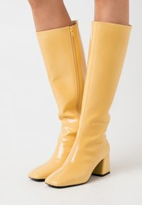 Monki - VEGAN PATTIE BOOT - Vysoká obuv - yellow - 0
