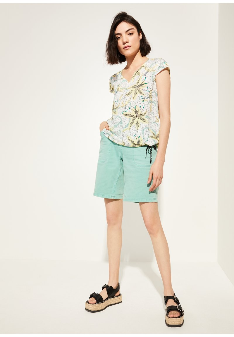 comma casual identity - KURZARM - Blouse - white flowers & dots