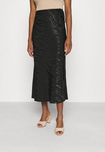 NEW BIAS JACQUARD - Pouzdrová sukně - black