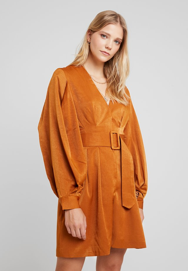 LUXE BELTED WRAP DRESS - Shirt dress - camel