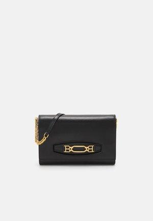 VESSTUGE - Across body bag - black
