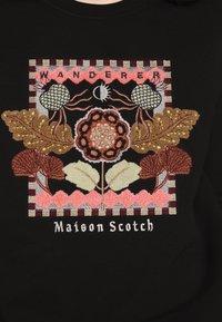 Scotch & Soda - CREWNECK EMBROIDERED ARTWORK - Sweater - black - 5