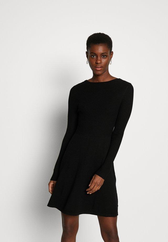 ONLSTRING DRESS - Abito in maglia - black