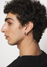 Versace - CRYSTAL MEDUSA EARRINGS UNISEX - Necklace - oro - 0