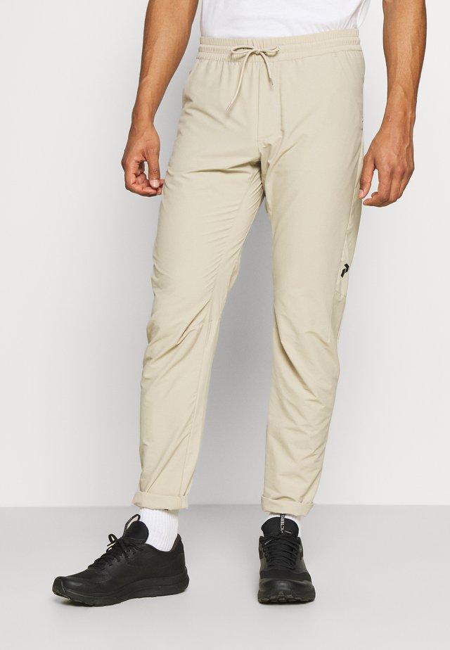 TECH LIGHT PANT - Outdoorové kalhoty - celsian beige