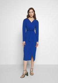 Closet - DRAPE SKIRT WRAP TIE DRESS - Shift dress - cobalt - 0