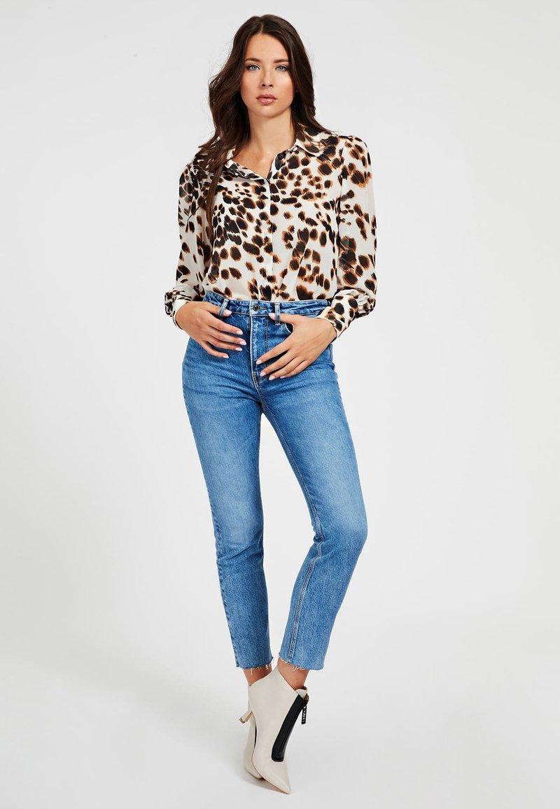 Guess - Button-down blouse - mehrfarbig, weiß