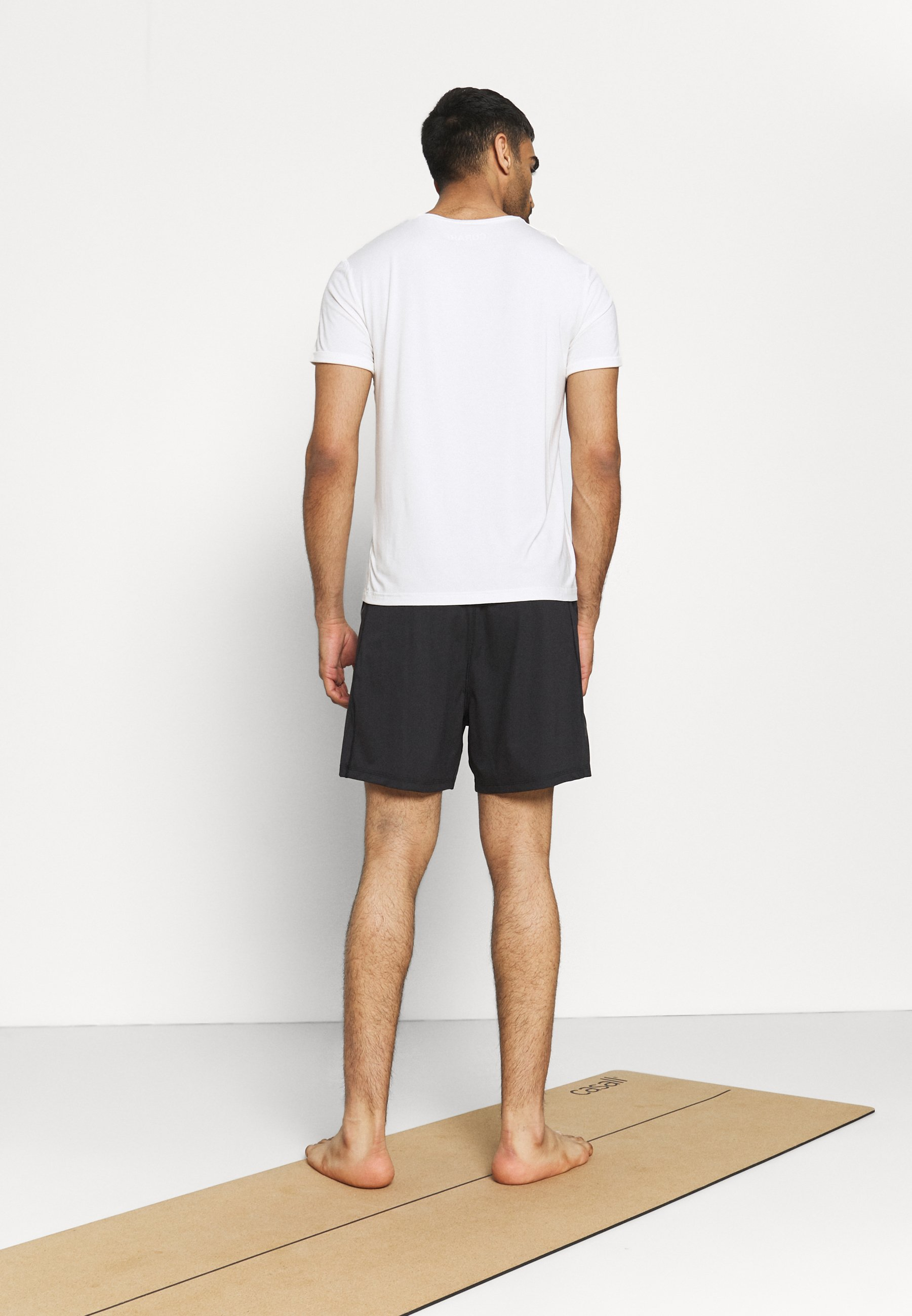 Uomo MENS YOGA SHORT - Pantaloncini sportivi