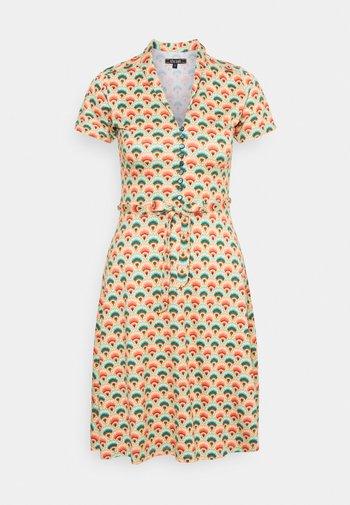 EMMY DRESS - Jersey dress - pearly dew
