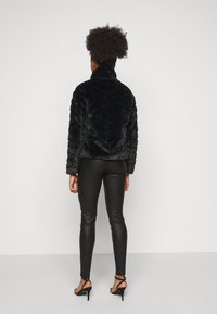 VILA PETITE - VIALIBA JACKET - Winter jacket - black - 2