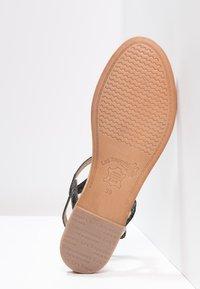 Les Tropéziennes par M Belarbi - BILLY - T-bar sandals - noir - 5