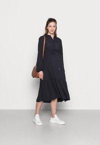MAMALICIOUS - MLFAUNA DRESS - Košilové šaty - dark navy - 1